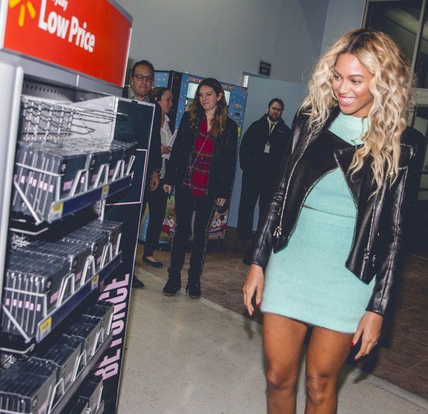 [VIDEO] Beyoncé Surprises Walmart, Gifts Shoppers With Gift Cards + Amazon Joins Target's Protest