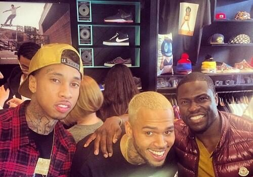 [Photos] Chris Brown Released From Rehab For LA Toy Drive With Kevin Hart & Tyga
