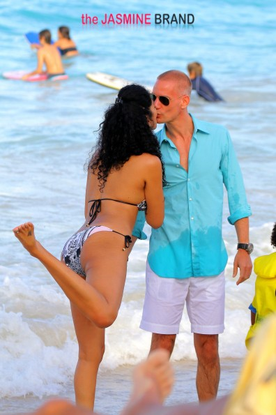 Kimora Lee is seen in St Barts having fun with her family