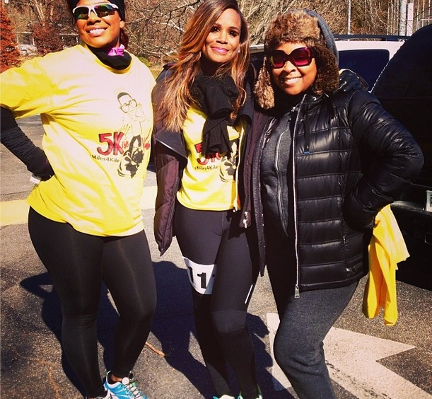[Photos] Tameka Raymond Runs In Son Kile Glover's Memory + 'Atlanta Exes' Caught Filming?