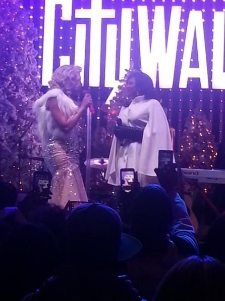 tamar braxton-brings trina braxton on stage-city walk-duet-christmas-the jasmine brand