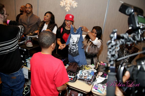 toya wright-monyetta shaw-neyo-giving tour-boys and girls club 2013-the jasmine brand