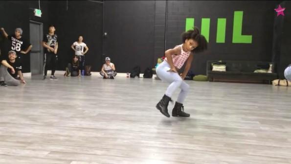Charlize-Glass-Dances-To-Beyonce-Yonce-3-The-Jasmine-Brand