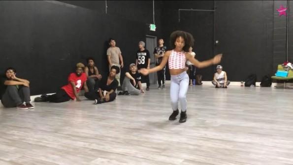 Charlize-Glass-Dances-To-Beyonce-Yonce-4-The-Jasmine-Brand