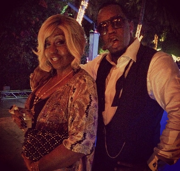 Diddy's NYE Party Lasts Til 7 a.m.! Bash Included Synchronize Swimmers, Drake DJ'ing + Beyonce & Jay Z Make Appearance