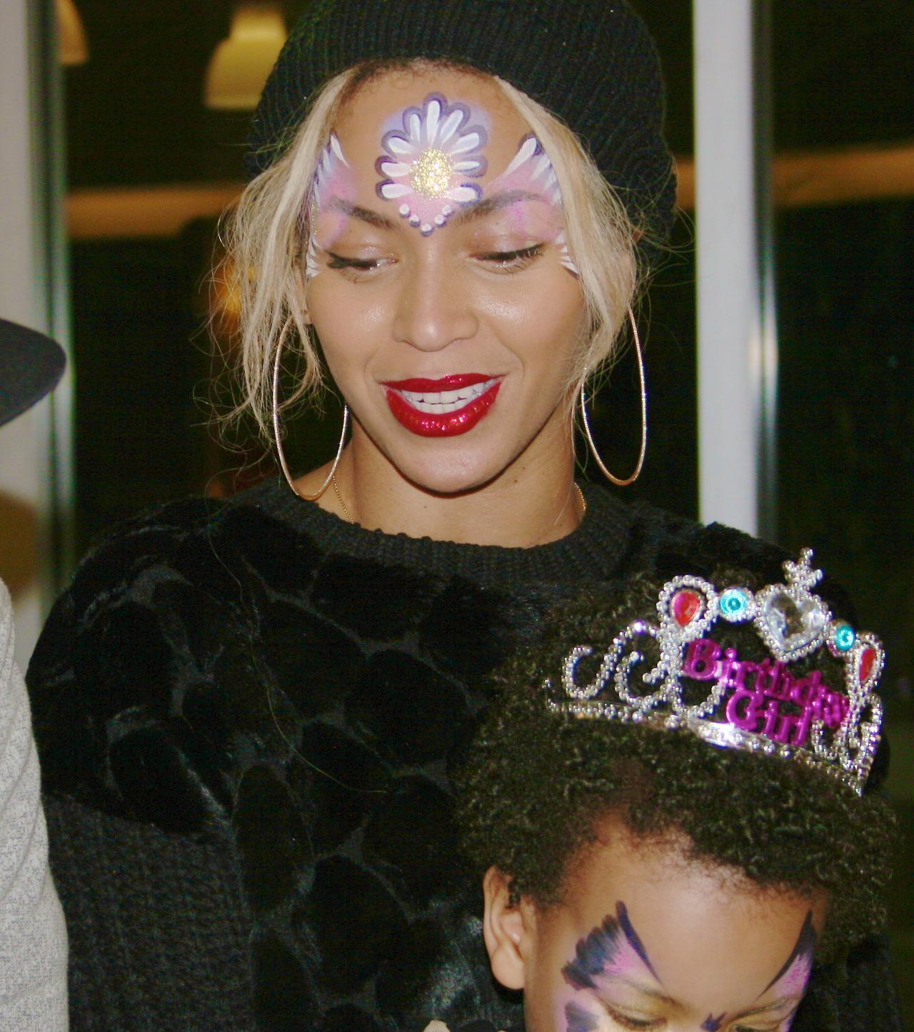 Tumblr Rihanna Birthday Cake