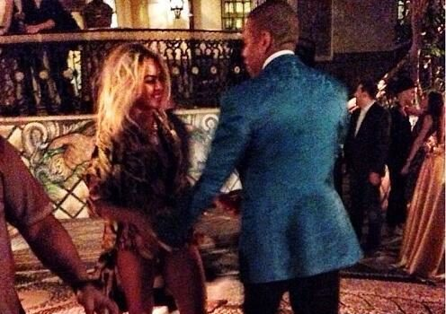 [VIDEO] Jay Z & Beyonce Host NYE Party At Versace House, End Night Riding Scooters In Miami