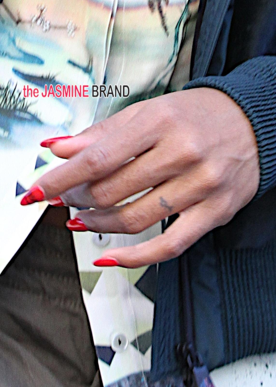 Fresh Ink Kelly Rowland Unveils New Wedding Ring Tattoo