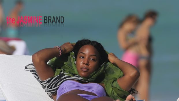 [Photos] Beach Life! Kelly Rowland Soaks Up Miami Sun