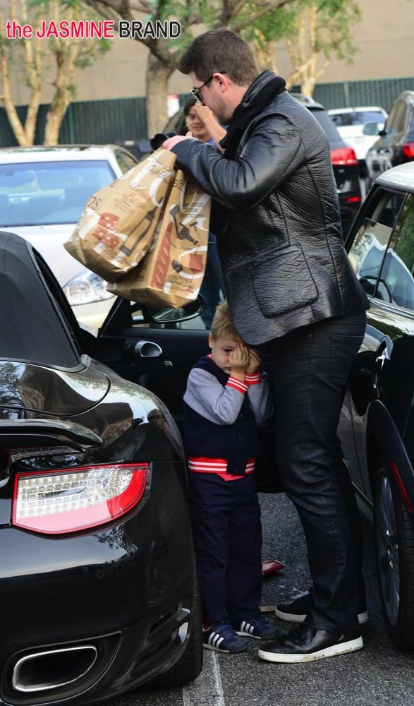 Robin Thicke Takes His Son Julian Shopping at Bristol Farms