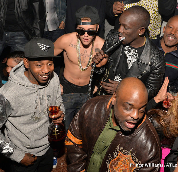 [Photos] A Chest Naked Justin Bieber Parties With Diddy, Cassie & Rick Ross at ATL Club