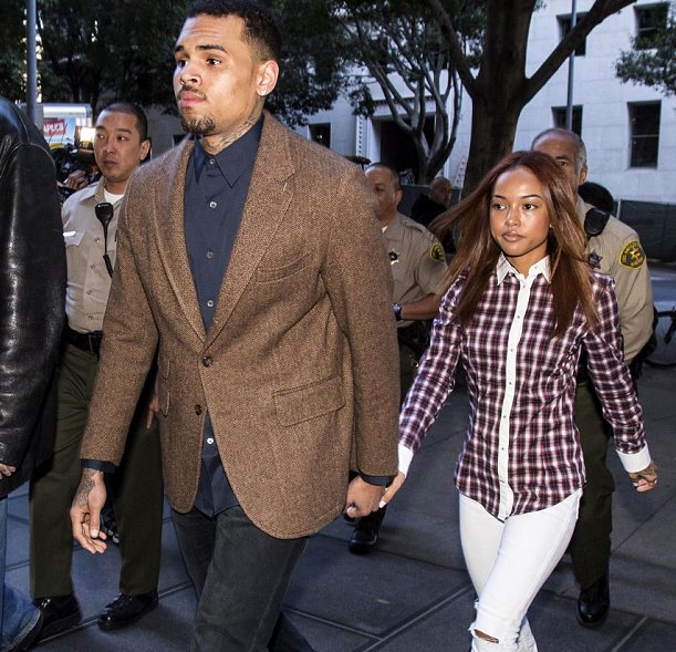 who is chris brown currently dating 2014 28-09-2013 karrueche tran net worth: karrueche tran is an american model who has a net worth of $900 thousand karrueche tran was born in los angeles  off-again girlfriend of chris brown she began dating him after his relationship with rihanna ended when it came to light that he had beaten the singer up karrueche tran and chris.