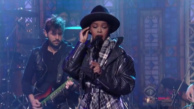 [WATCH] Lauryn Hill Performs 'Something' On David Letterman