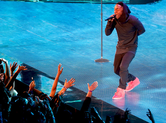 [WATCH] Kendrick Lamar Gives High Energy Performance At All Star Weekend
