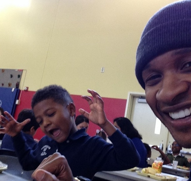 daddy time-usher visits sons school for lunch-the jasmine brand
