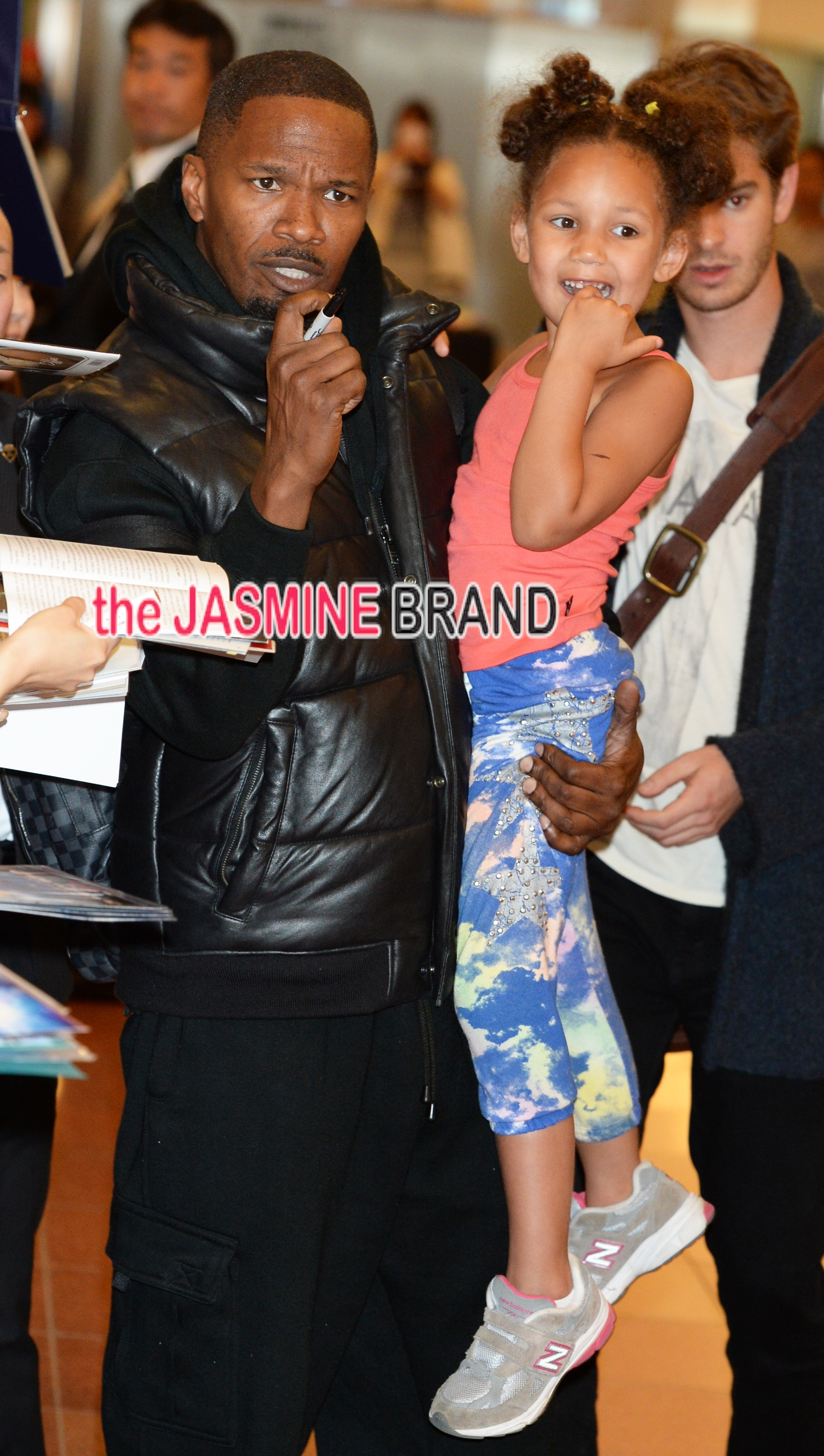 Jamie Foxx and daughter Annalise land together in Tokyo