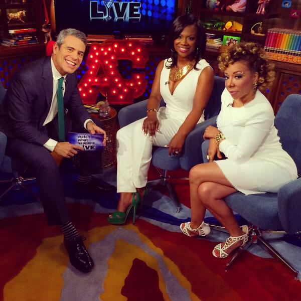 [VIDEO] Kandi Burruss Reveals Bridesmaids, Says Kim Zolciak Isn't Invited