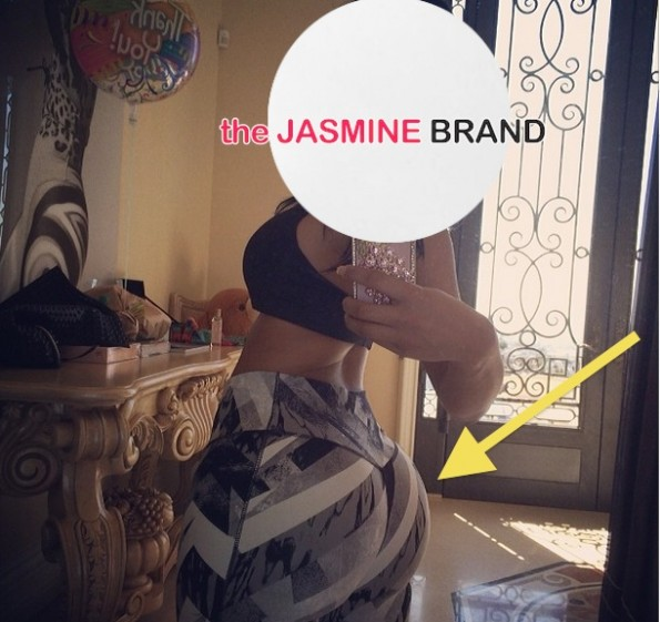 nicki minaj-selfie booty shot-the jasmine brand