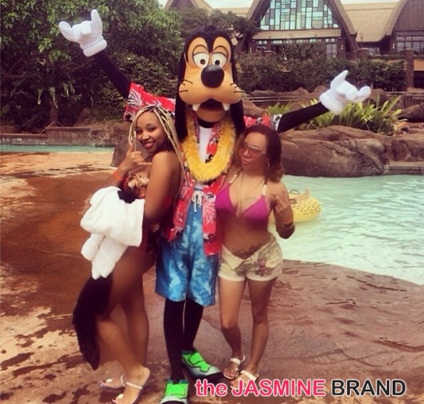 tiny takes daughter-Zonnique-to hawaii for 18th birthday-poolside-the jasmine brand
