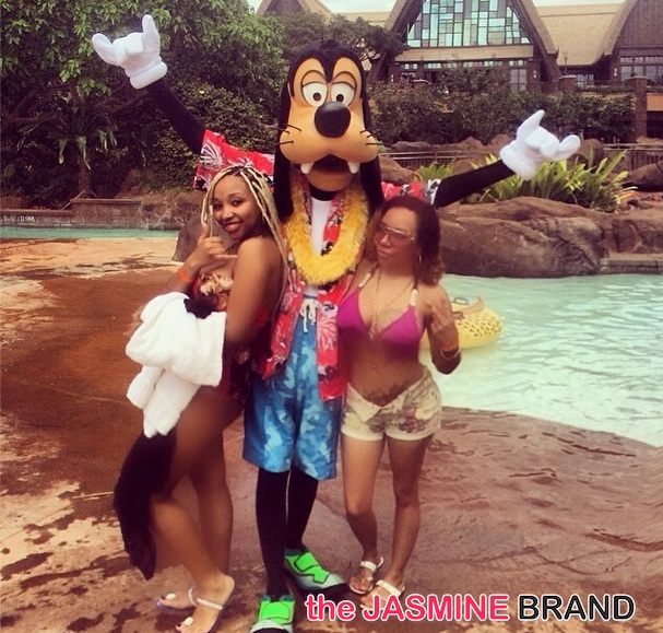 tiny takes daughter-Zonnique-to hawaii for 18th birthday-poolside-the    Zonnique And Breaunna 2014
