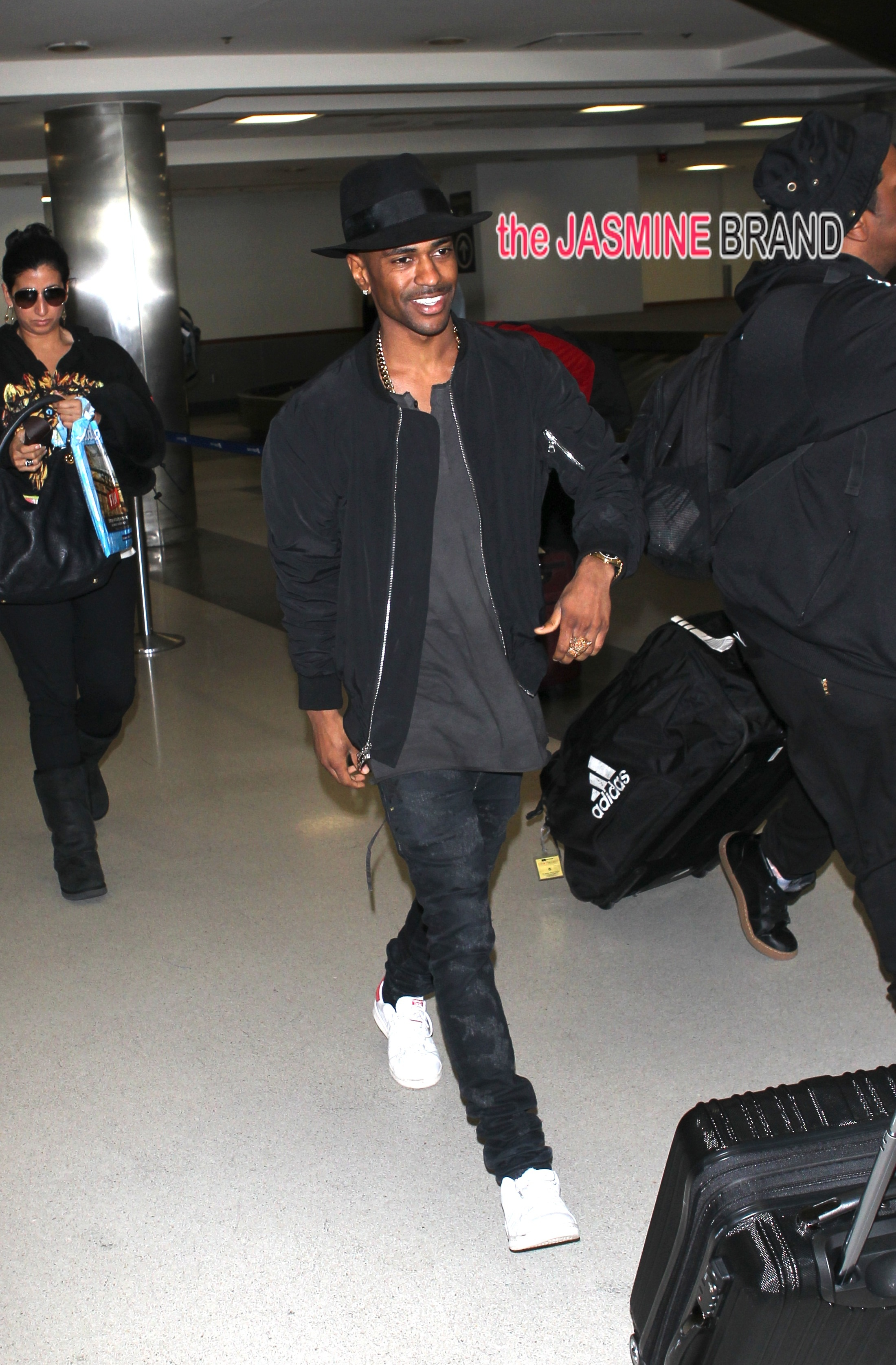 Big Sean's first sighting after his break up with Naya Rivera at LAX