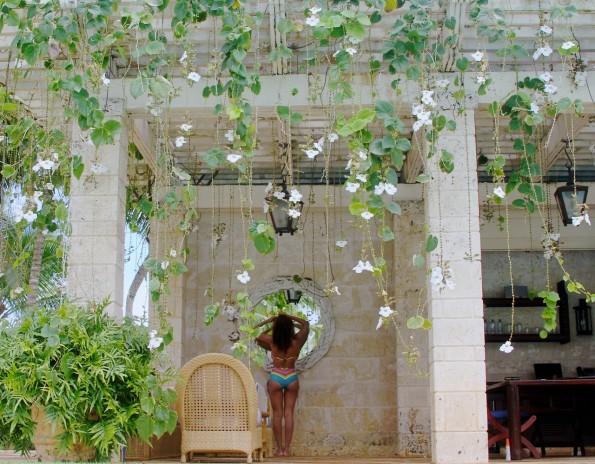 bikini mirror-beyonce-jay z-6th anniversary vacation-dominican republic-the jasmine brand