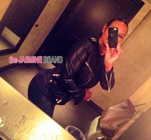 jackie christie-bathroom selfie-basketball wives la 2014-the jasmine brand