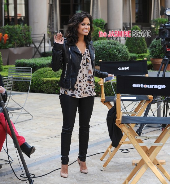 Rocsi Diaz interviews the cast of 'Entourage' on set