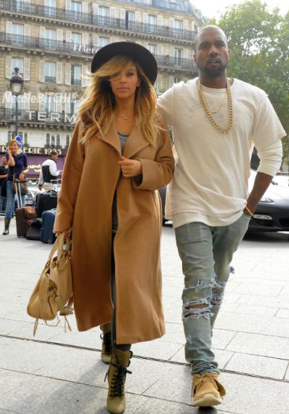 Kim Kardashian & Kanye West Quietly Marry in Los Angeles