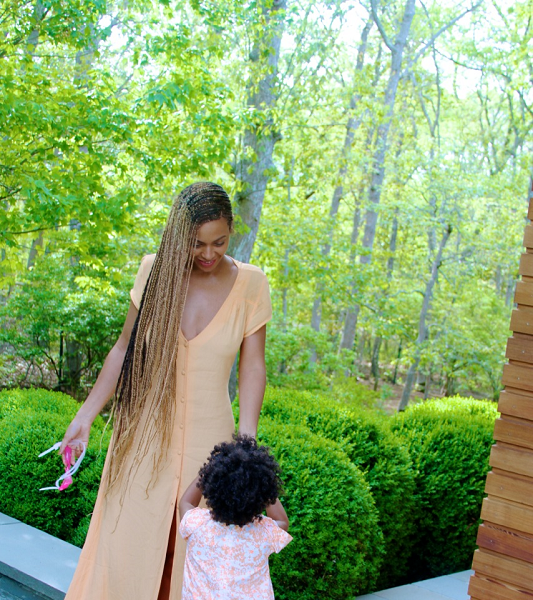 [Mommy Moments] Adorable Blue Ivy Carter Photos!