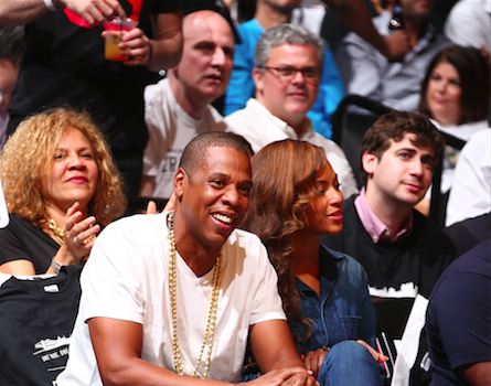 What Fight? Jay Z & Beyonce All Smiles Court-Side After Leaked Video