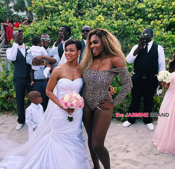 Serena Williams Crashes A Wedding In Her Bathing Suit The Jasmine Brand