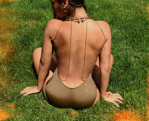 Back, Nipples & Knees Shine In Beyonce's Latest Photos