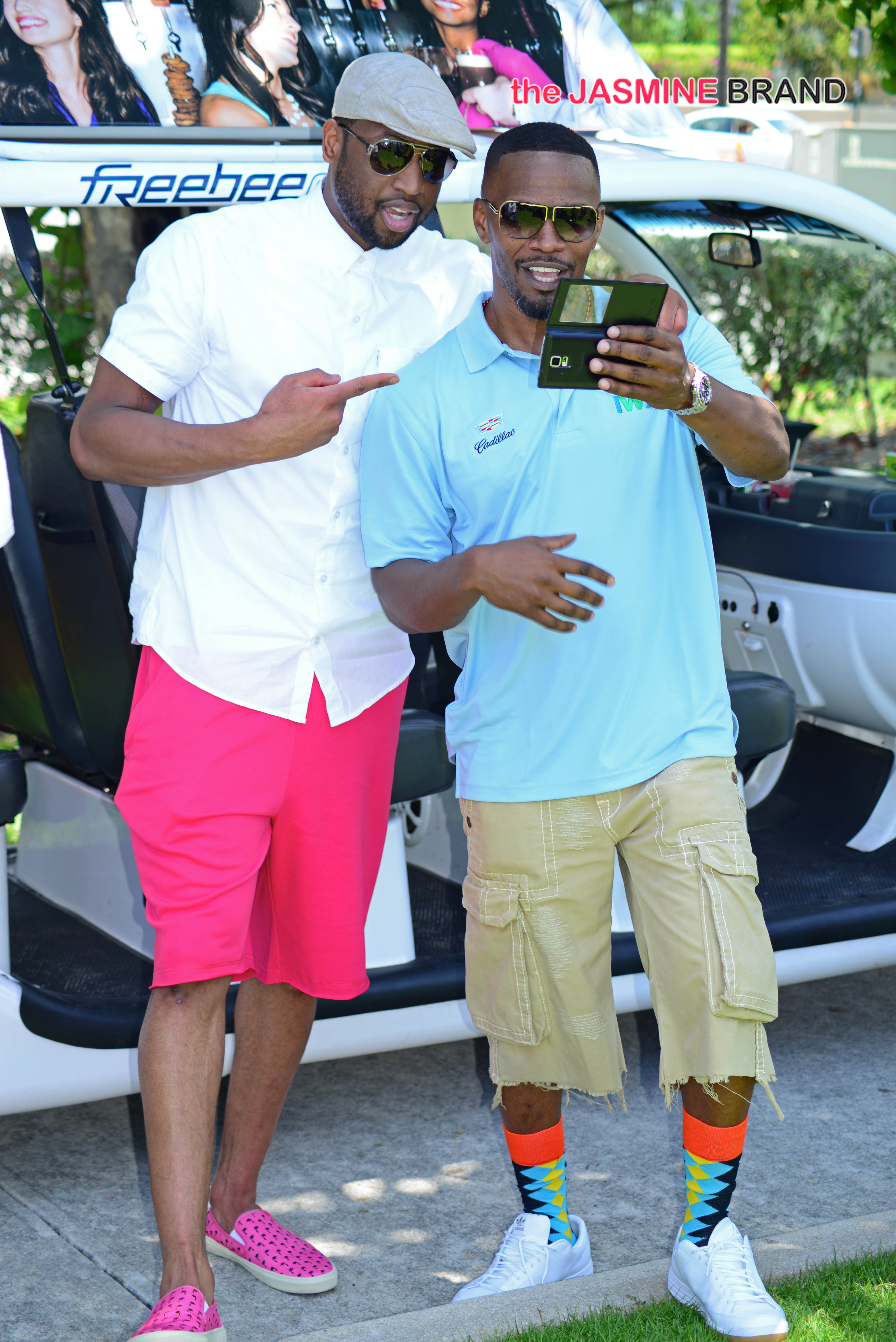 Jamie Foxx and Dwyane Wade take selfies together
