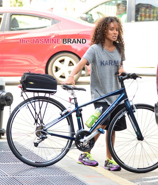 Willow Smith and Jada Pinkett Smith coming out of Metro Bike Shop in SoHo