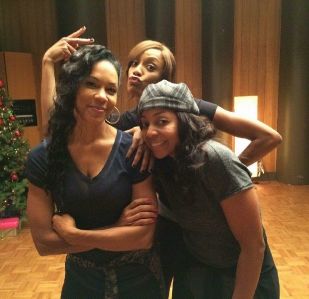[Photos] Remaining Members of En Vogue Filming Christmas Movie