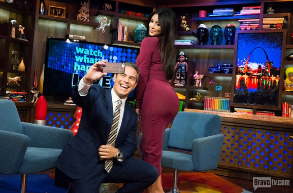 Kim Kardashian Talks Jay Z & Beyonce Divorce Rumors, Picking Adrienne Bailon Over Rita Ora + the Perfect A** Selfie On 'Watch What Happens Live!'