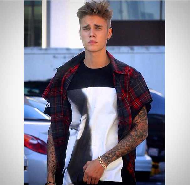 Justin Bieber Blames Paparazzi On Car Accident, Singer Accused of Attempted Theft & Battery