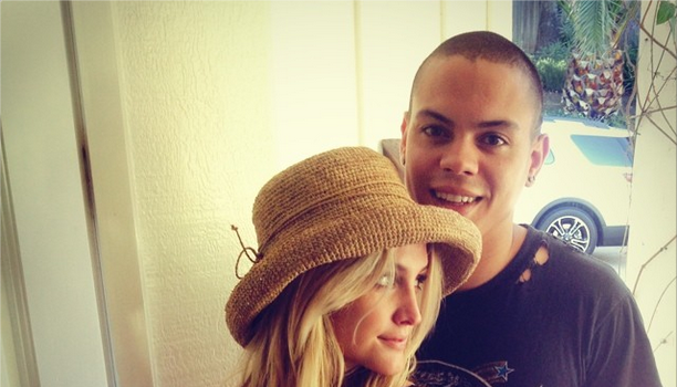 Just Hitched! Evan Ross & Ashlee Simpson Get Married!