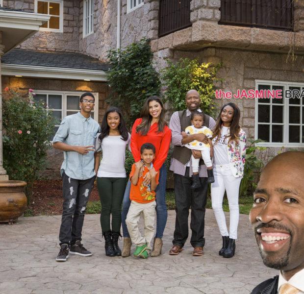 Retired NBA Baller Kenny Smith & Family Land Reality TV Show, THE SMITHS