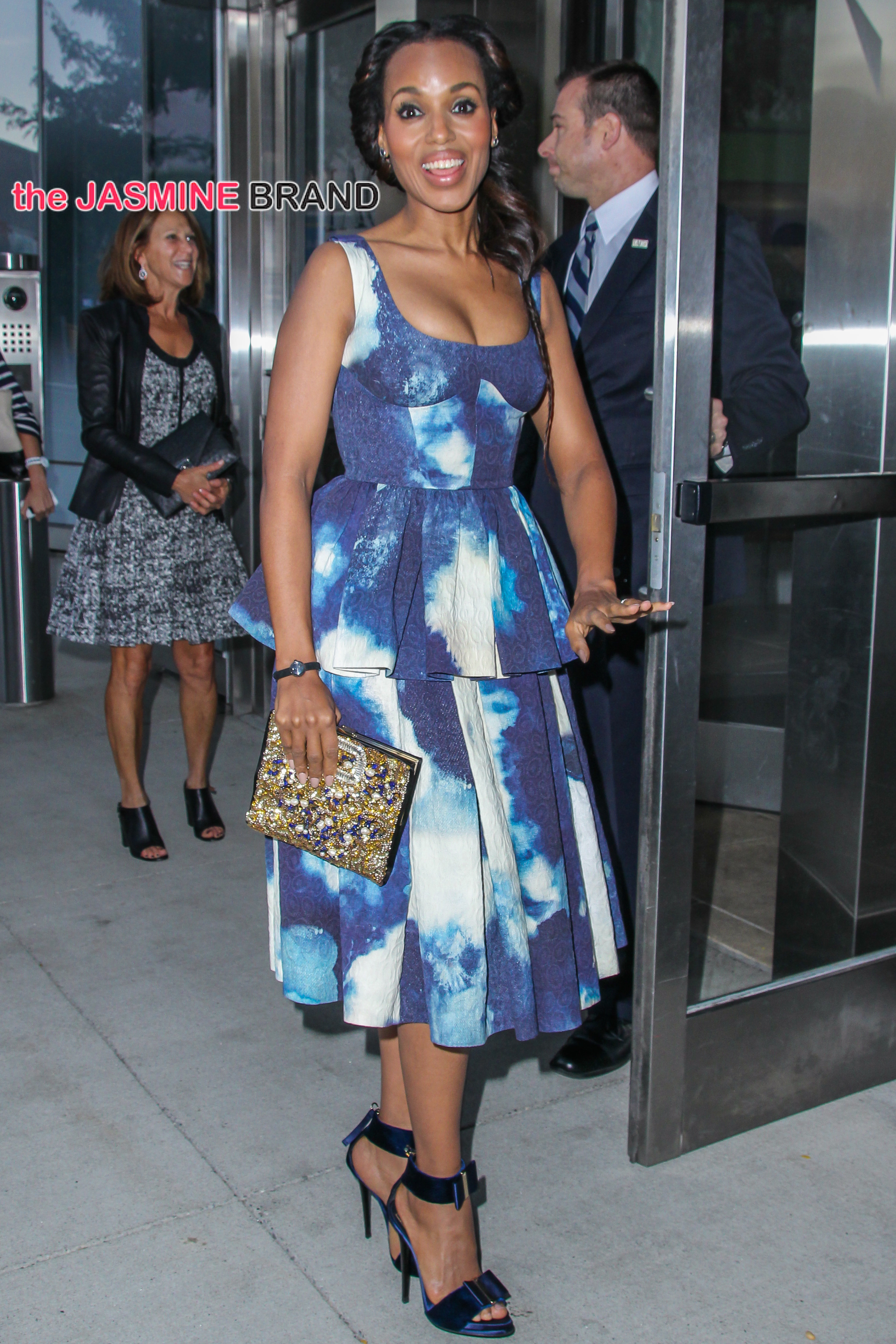Kerry Washington is spotted in NYC streets