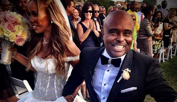 Comedian Alex Thomas Gets Married: Lisa Raye, Niecy Nash, Tisha Campbell, Regina King Attend