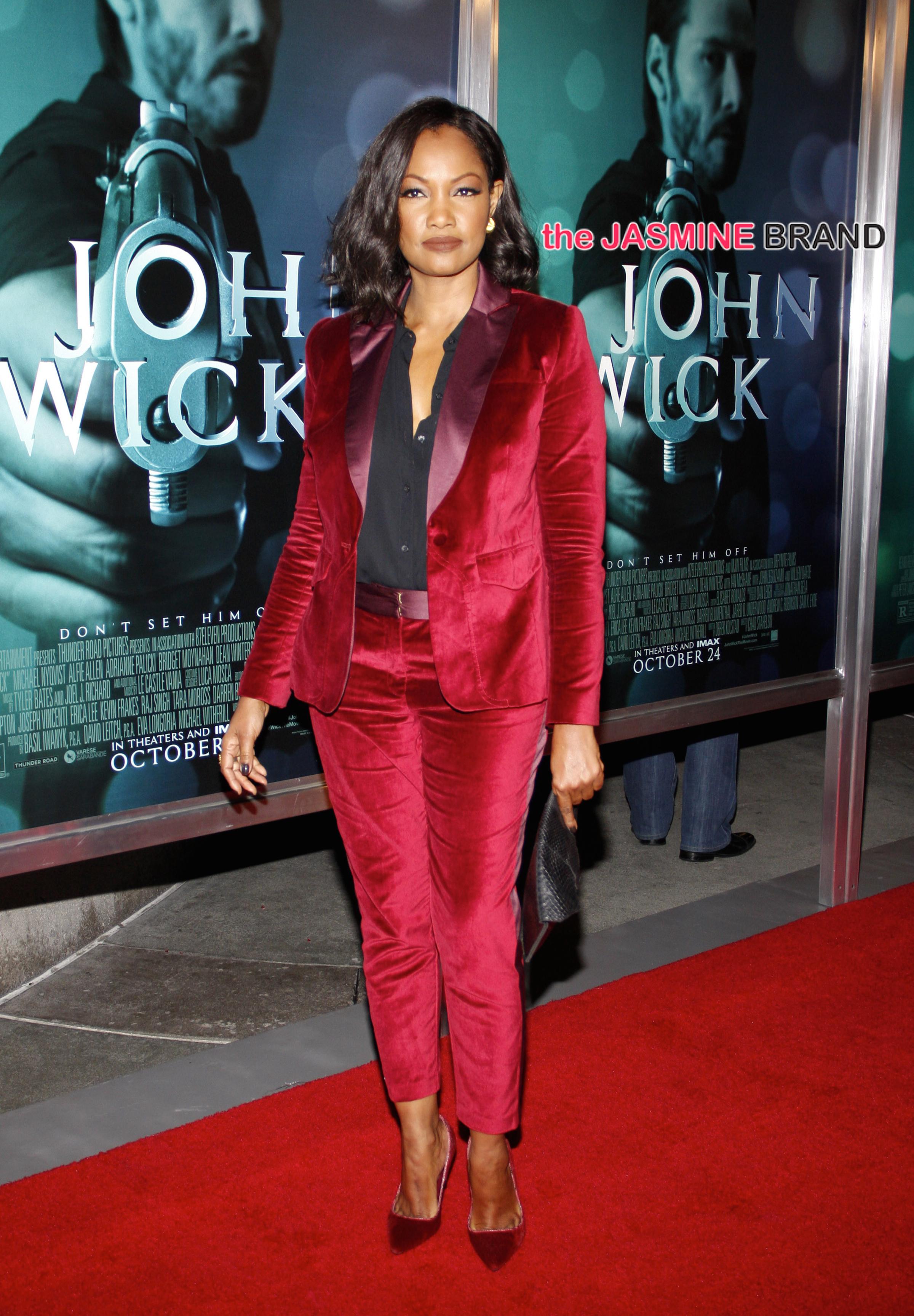 Kerry Washington Sports Killer Gown Lupita Nyong O Hits
