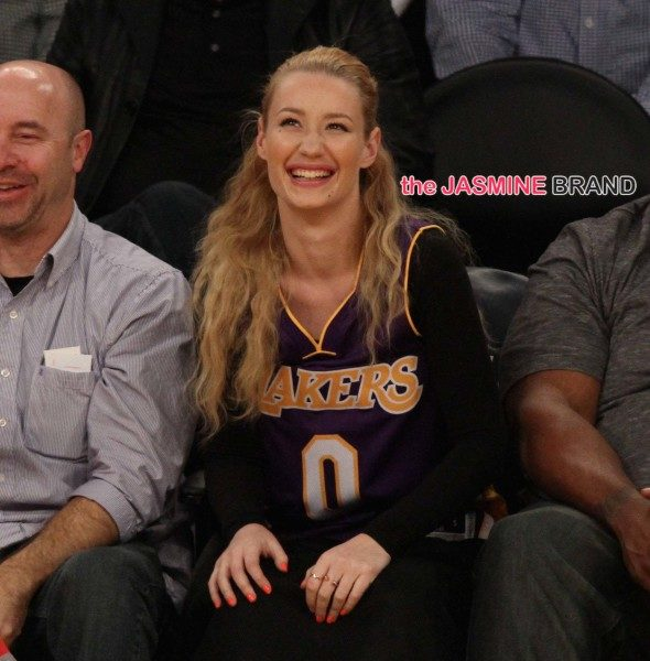 Drake & Iggy Azalea Sit Courtside, Ariana Grande Hits JFK, DeRay Davis & Mystery Woman Attend Movies +  Tyga, Masika Kalysha [Photos]