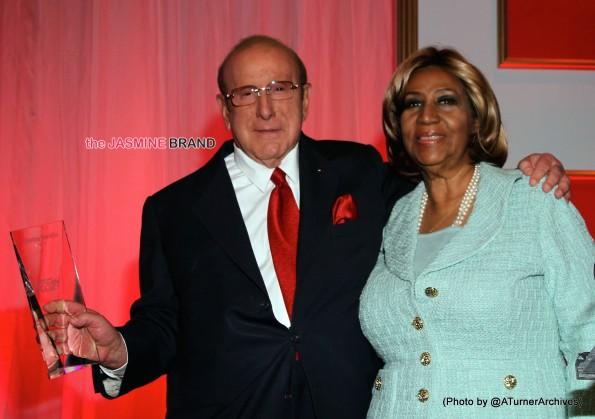Clive Davis presents Aretha Franklin with WIM Icon Award
