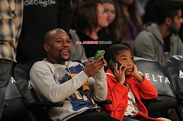 Floyd Mayweather Jr. at the Lakers game