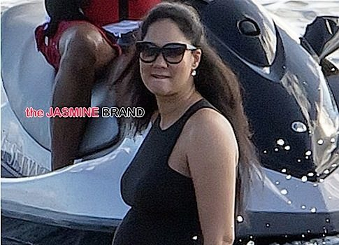 Ovary Hustlin': Kimora Lee Simmons' Big Ole Belly Pops Up in St. Barts