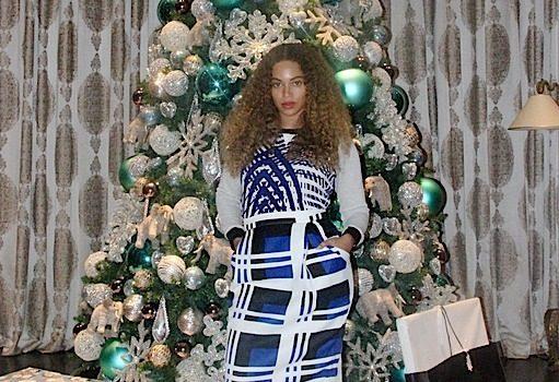 Beyonce Serves Stripes, Polka Dots & Christmas Trees [Photos]