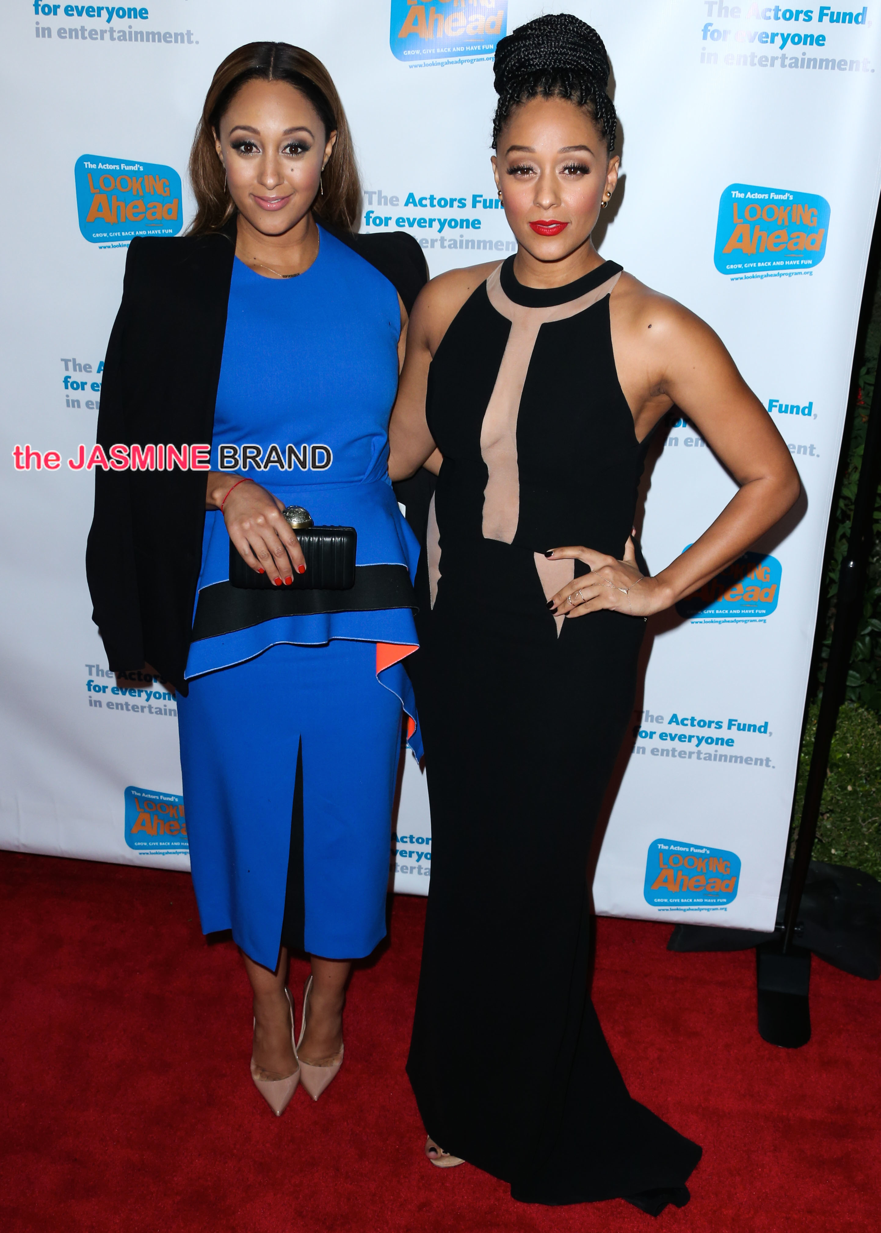Tia Mowry and Tamera Mowry arrive at The Looking Ahead Awards