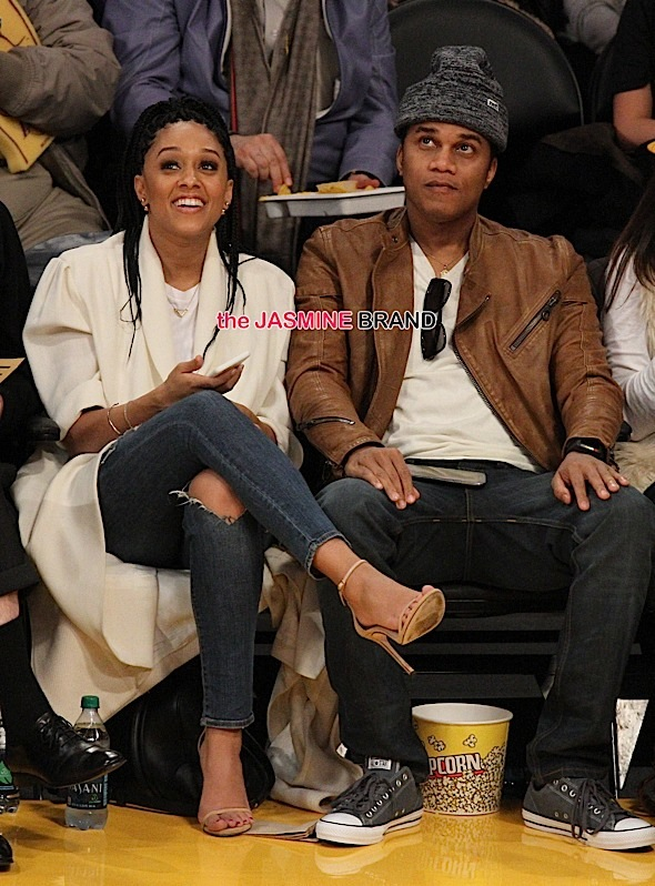 Tia Mowry watches the Lakers lose a close one